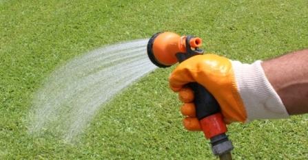 podlewanie pielegnacja trawnika mr green grass