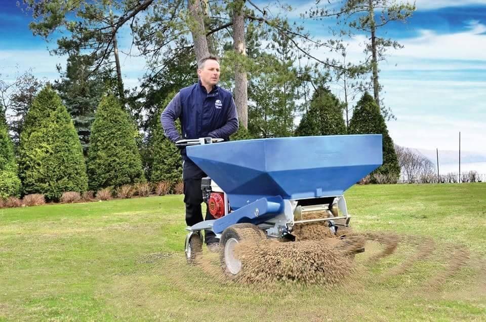 piaskowanie trawnika boiska(1)